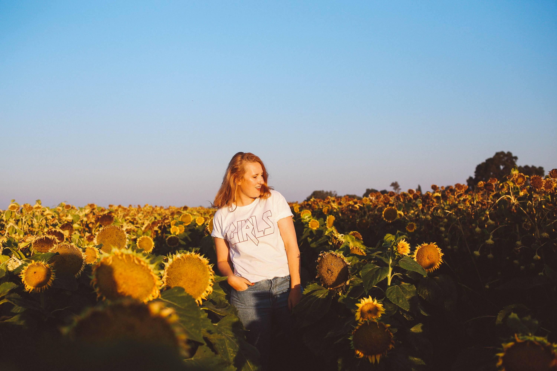 sunflower fields dixon girls white tee skinny jeans