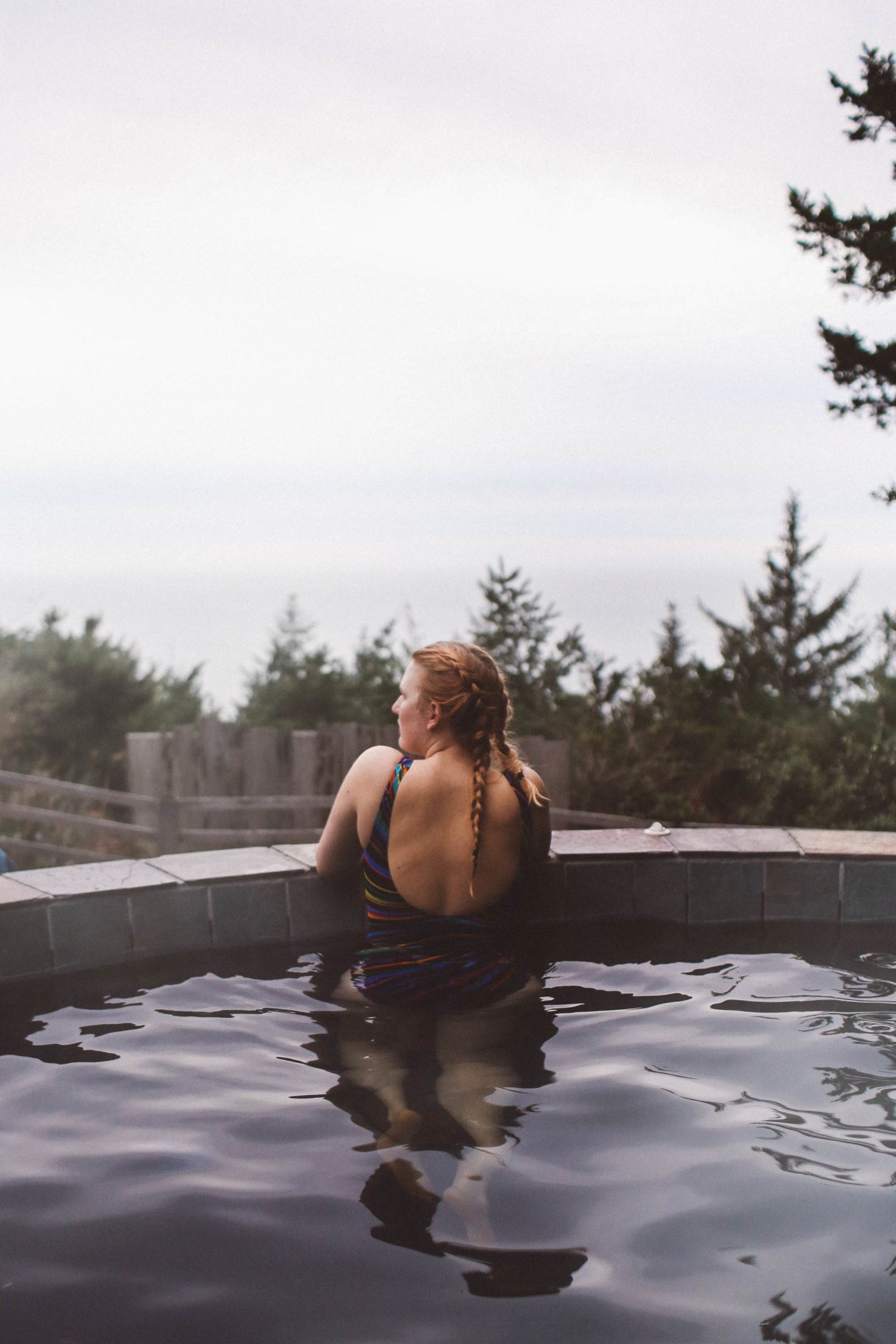 hot tub ocean view oregon woman