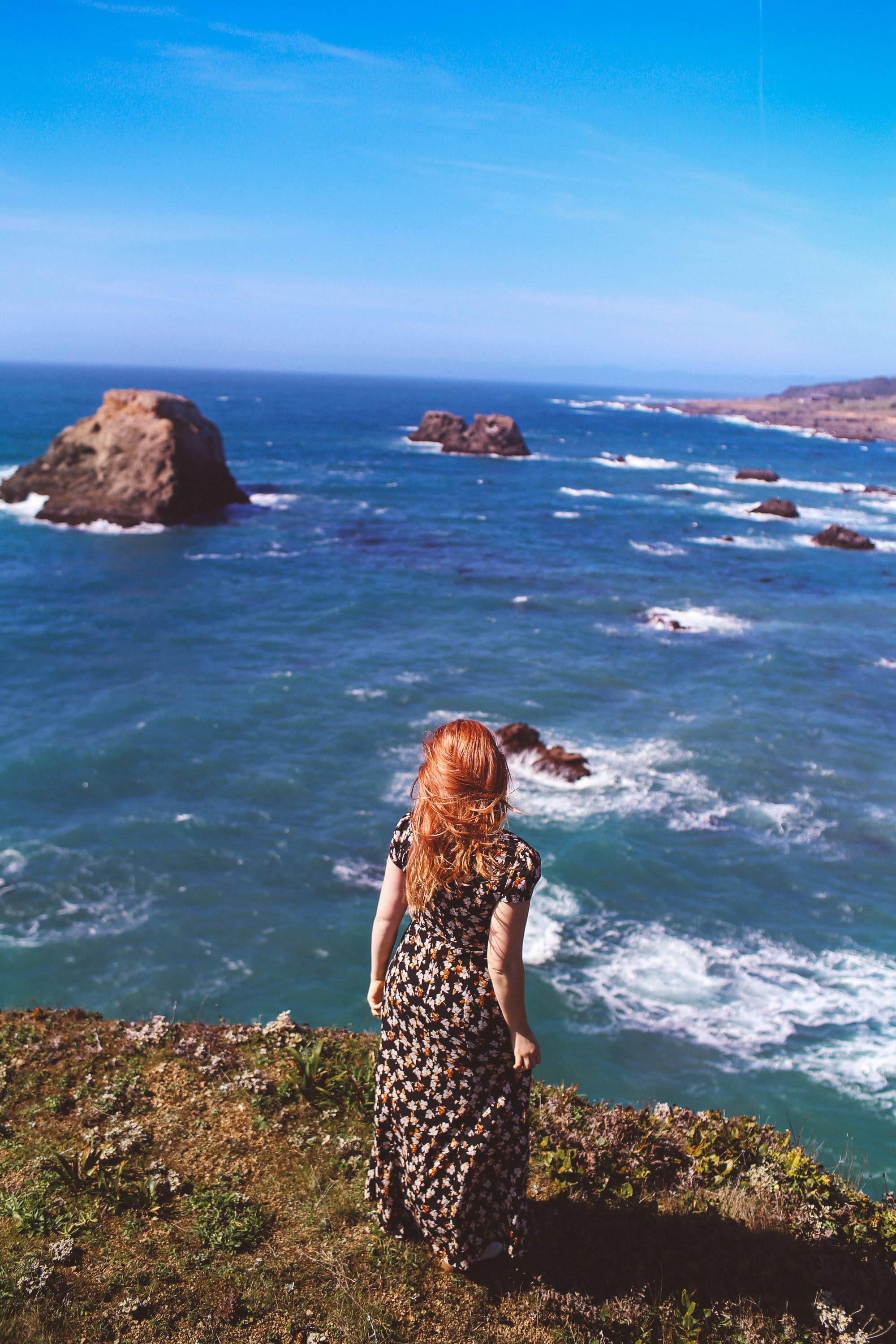 mendocino coast woman outfit ideas