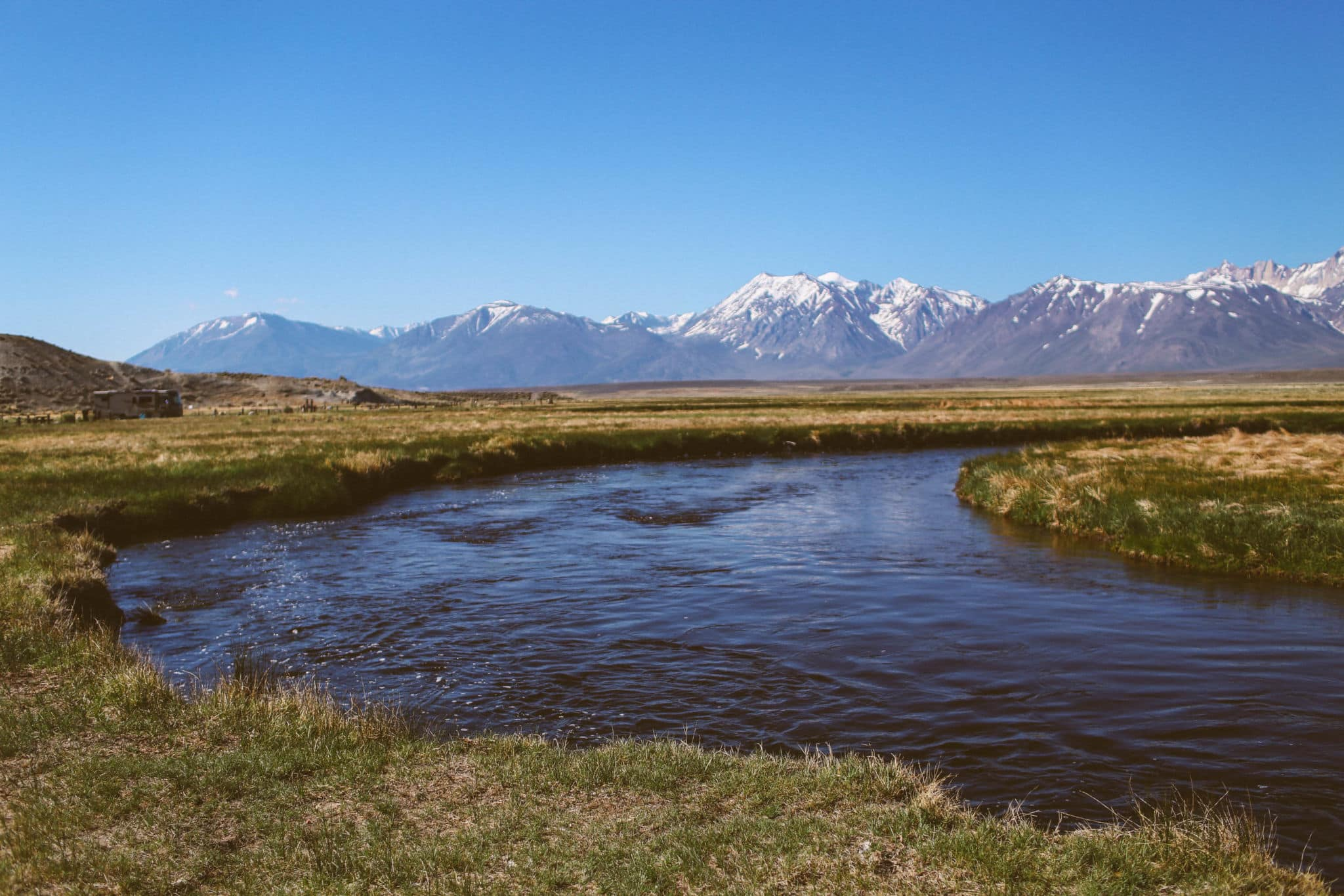 Owen's river running through the mountains