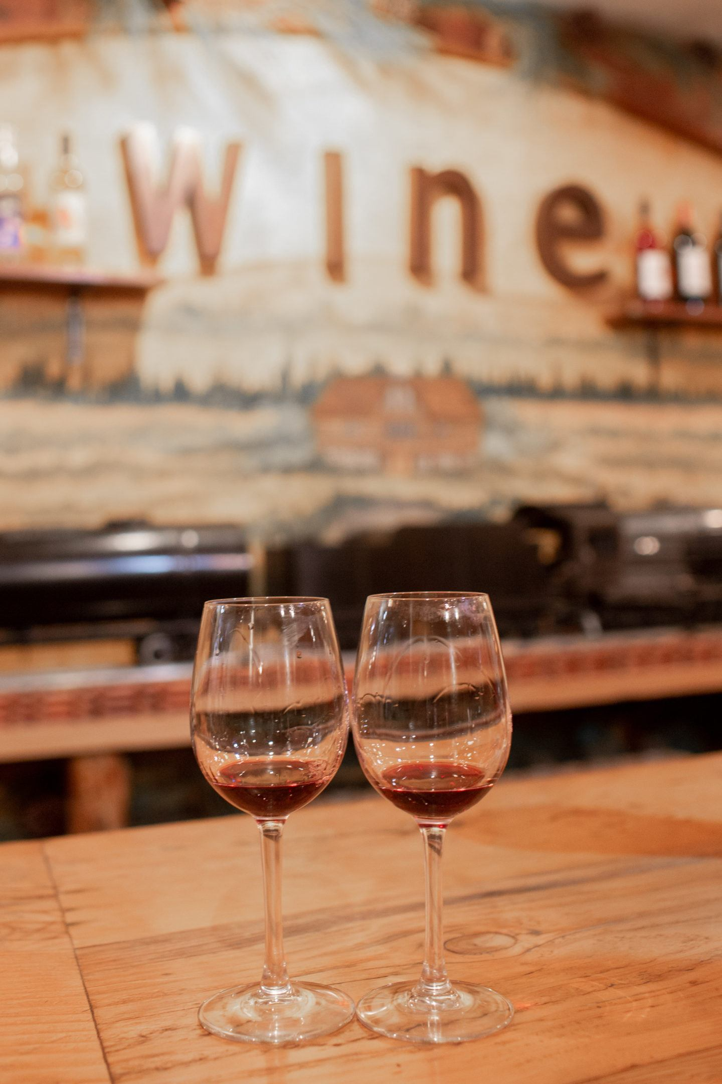 wine glasses at icicle ridge winery
