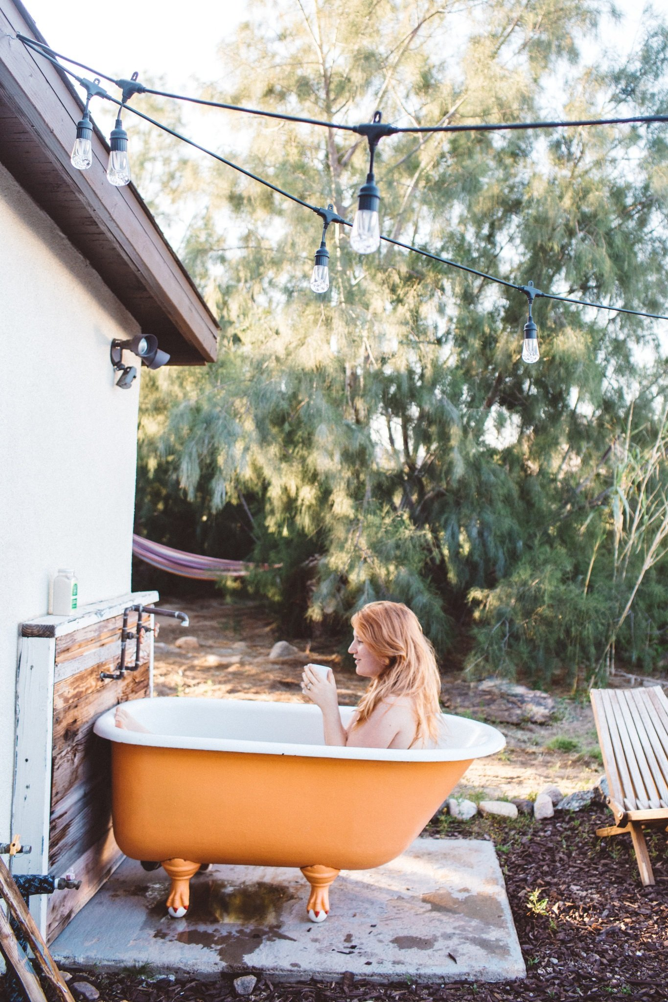Joshua Tree airbnb with orange bath tub