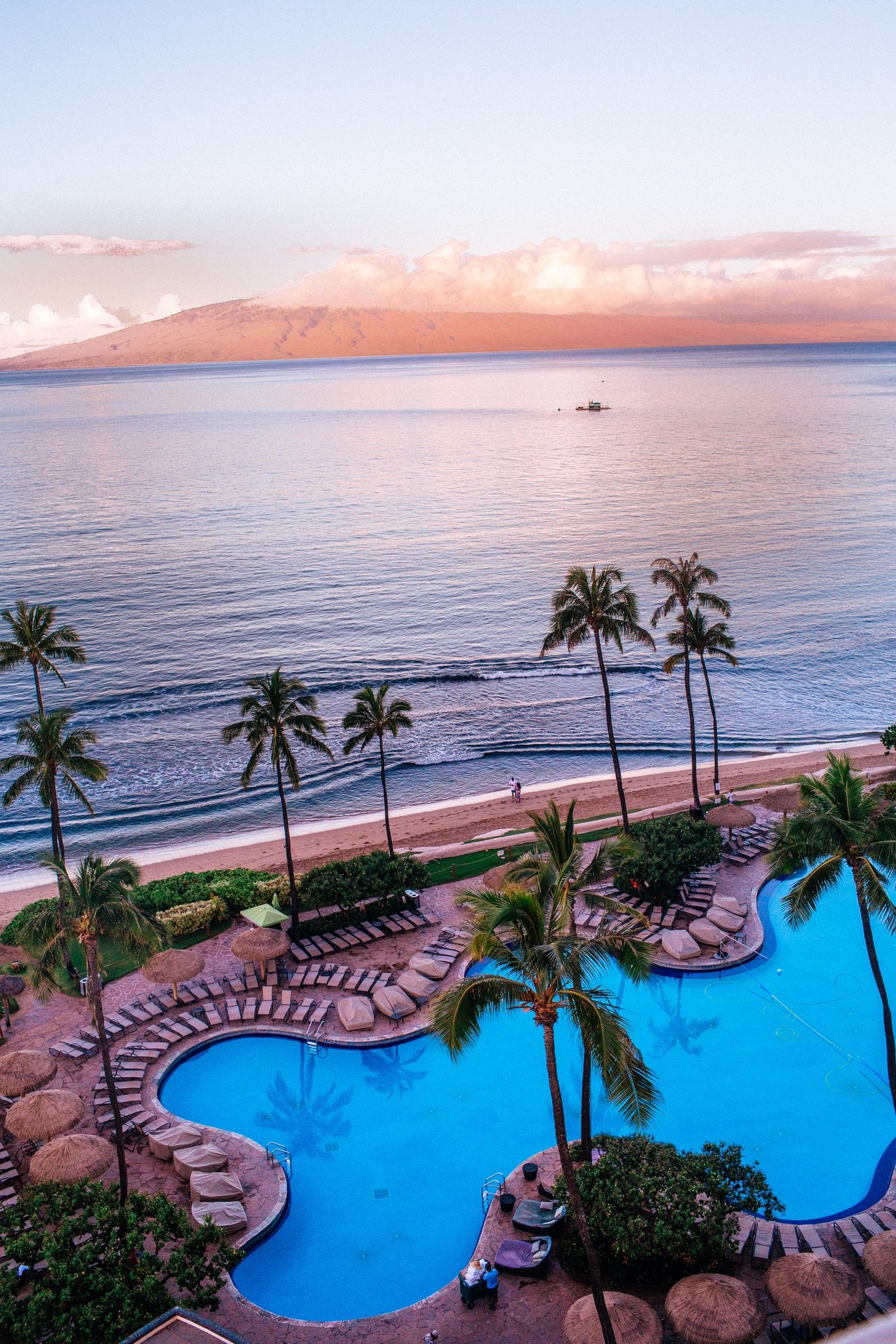 The pool and ocean at the Hyatt Maui from a Ocean view room