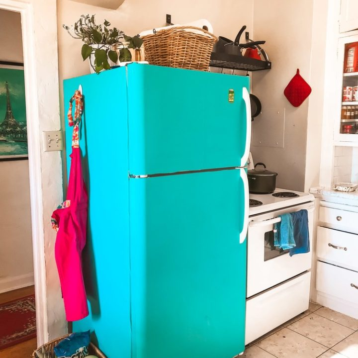 DIY: How I Put Contact Paper On My Fridge (Before & After Photos!)