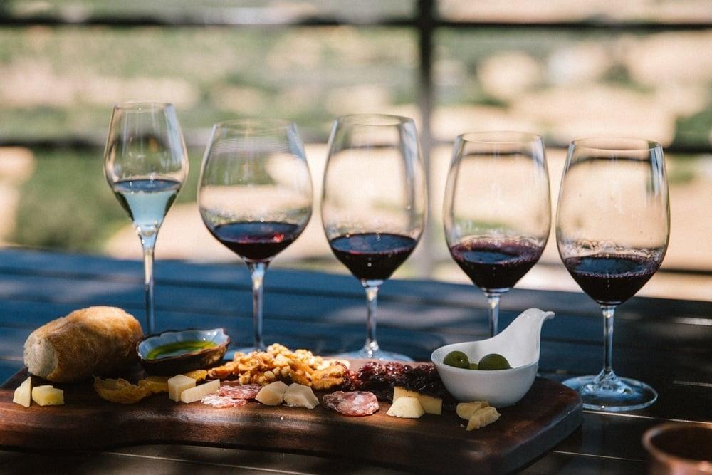 Aledadia Vineyards cheese and wine pairing